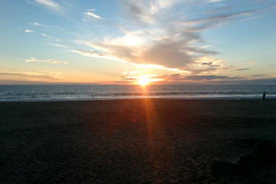 Las Palmas Beachfront Villas: Sunrise