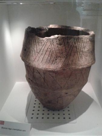 Bronze age burial urn  - Picture of Ribchester Roman Museum