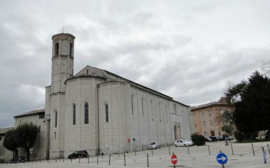 San Francesco Gubbio: Фасад церкви Святого Франциска
