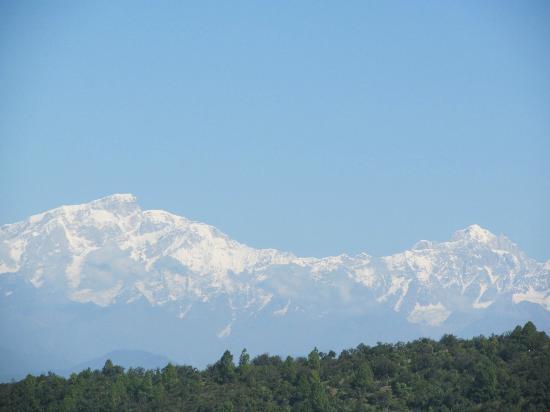 Khirsu Village : panoramic view of Himalaya