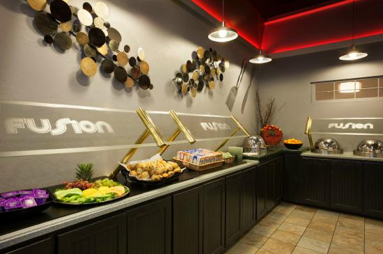Ramada Lewiston Hotel and Conference Center: Fusion Buffet