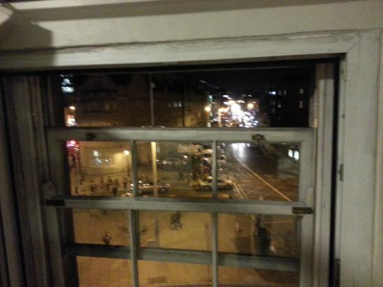 Times Hostels - College Street: Вид из окна