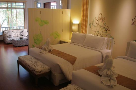Bussaba Bangkok: The beautiful and roomy Gluaymai triple room.