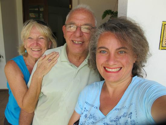 Villa Alegre - Bed and Breakfast on the Beach: Barry And Suzye