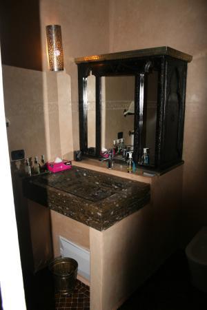 Riad Les Ammonites: Bathroom