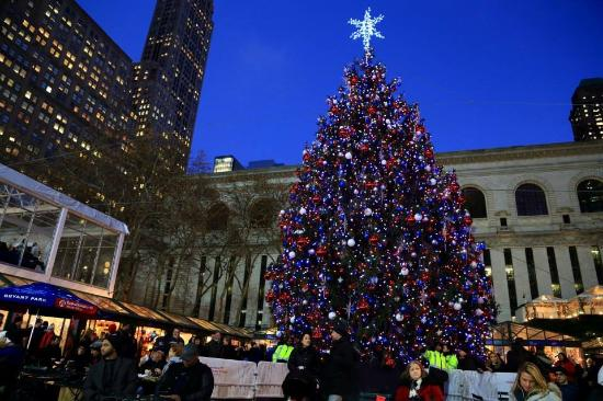 Bryant Park Christmas.Christmas Tree At Bryant Park Picture Of Library Hotel By