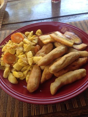 Barry's Rooms - IrieStyle Cafe & Tours: Ackee with salt fish Cooked by super Patrick