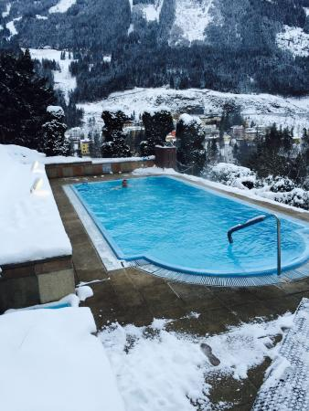 Hotel Alpenblick: Swimming in the heated out door pool in January 2015