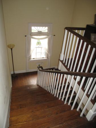 Ormond Plantation Manor House: Stairwell View (Does Have Elevator)
