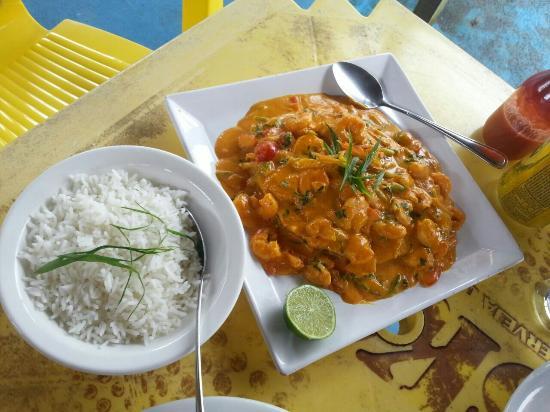 Restaurante Rota Do Mar: Grilled fish slice in creamy shrimp sauce