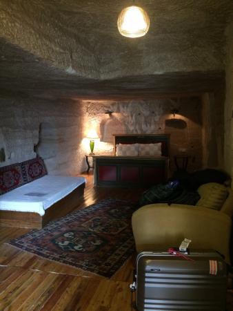 Emily's Cave House: 第一次住在洞穴屋裏,真是特別的體驗!
