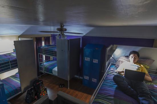 USA Hostels Hollywood: Our 6- and 8-bed dorms are all ensuite