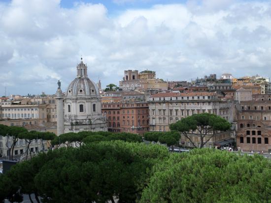 Santa Maria di Loreto: vista