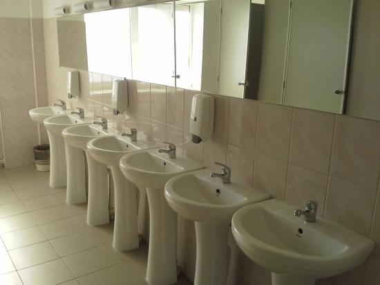 Conference Hotel Tomo : Shared bathroom