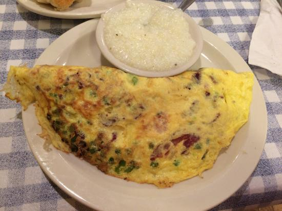 Blue Plate Cafe: Huge omelette, but very dry