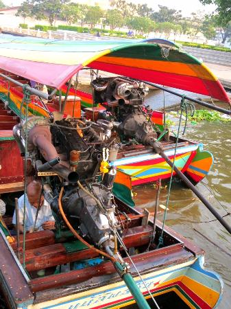 long tail boats 39 big car engines picture of chao phraya. Black Bedroom Furniture Sets. Home Design Ideas