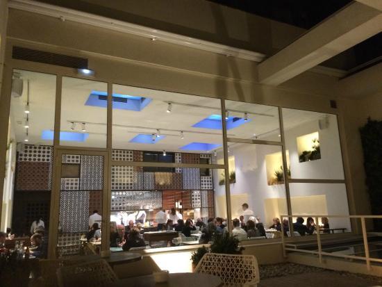 Vista del restaurante desde la terraza interior for Restaurante terraza de la 96 barranquilla