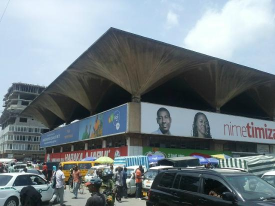 Kariakoo Market: very crowd