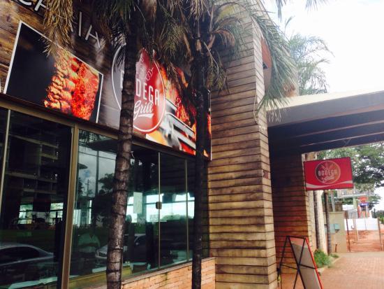 Foto da fachada bodega bar e restaurante campo grande for Fachada para restaurante