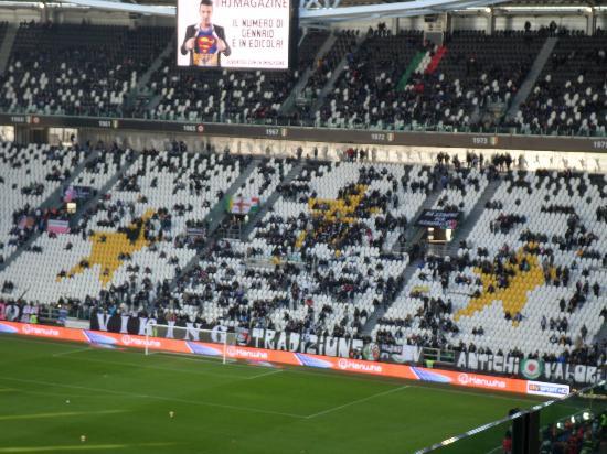 Stadio dall 39 esterno picture of juventus stadium turin for Esterno sinistro juve