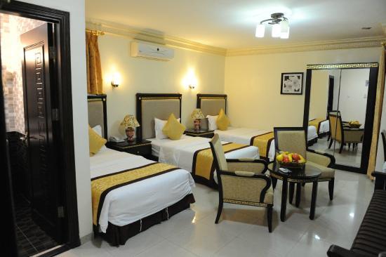 Cedar Hotel: Triple room