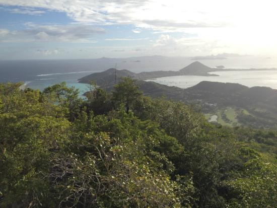 Charlestown, Canouan: the Mount Royal hike