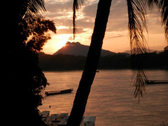 Luang Prabang River Lodge 2 : Tramonto sul Mekong