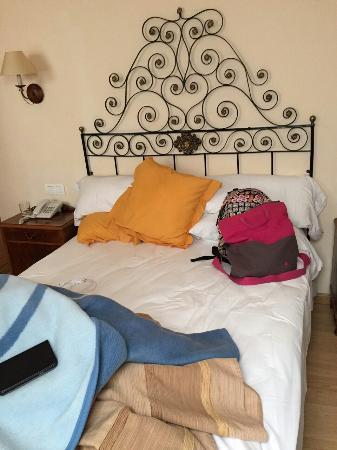 Hotel Ripoll: Cama