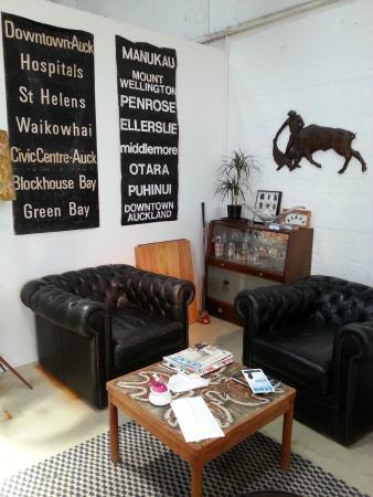 The Refinery: Cute retro lounge corner in the cafe