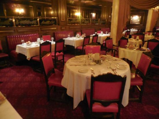 Caesar's Steak House: Red leather