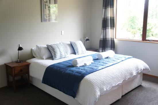 Wanaka Berry Farm and B&B: Super King Bed