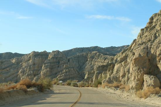 Mecca, Kalifornia: Box Canyon Road