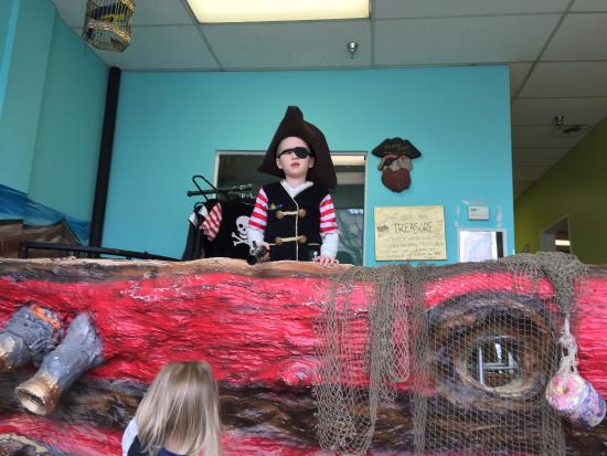 Be with Me Playseum DC: Pirate ship room with sand boxes
