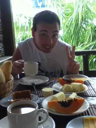 Pousada Primeira Praia: José desayunando