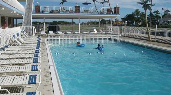 Compass Family Resort Motel: Diamond Crest Pool 2011
