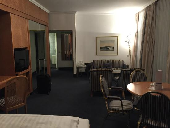 PK Parkhotel Kurhaus: Inside my room : spacious and comfortable