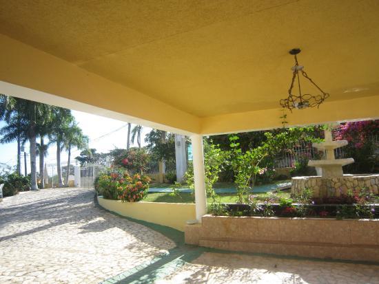 Emerald View Resort: front door