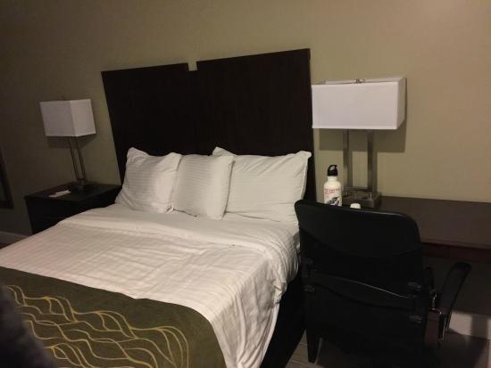 Hi View Inn & Suites : Comfy bed