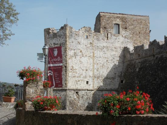 Private Tours of Southern Italy: Castle in Agropoli