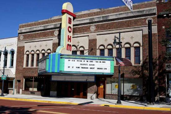 Albion, MI: the bohm theater
