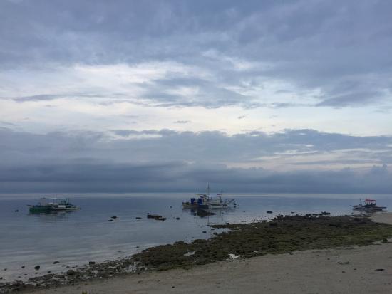 HK Beach Resort: Early morning beach view