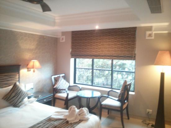 10 Calangute: Good room from inside with nice lights