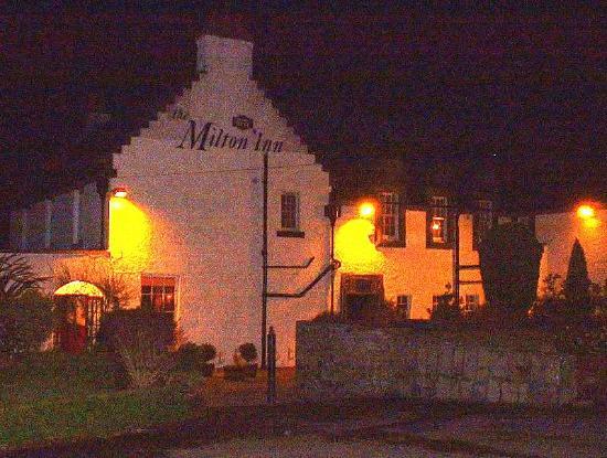 The Milton Inn : Outside view night