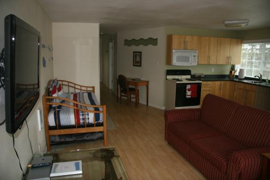 Long Beach, WA: Captain's Quarters Trundle bed and Hide-a-bed