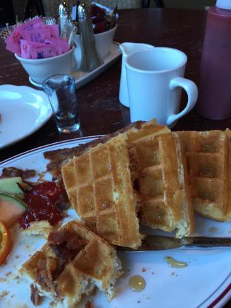 Chez Francois Restaurant: Gluten free waffles