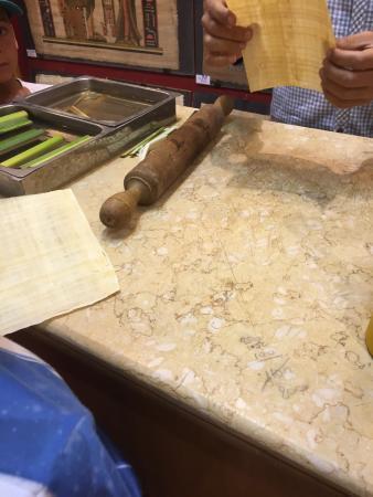 Aegyptus Papyrus Galleries