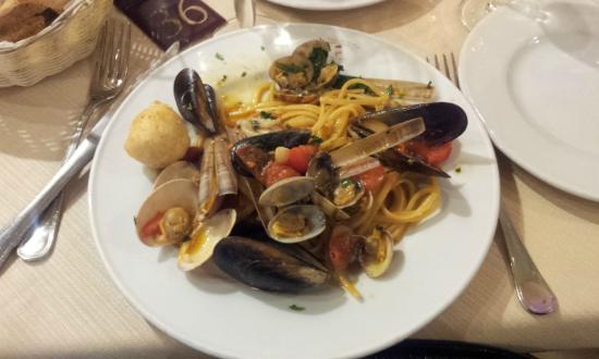 """La Cantina dei Mille: Les fameuses """"linguine"""" aux fruits de mer"""