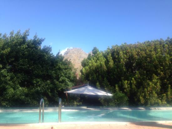 Kronendal Heritage Estate: Pool side