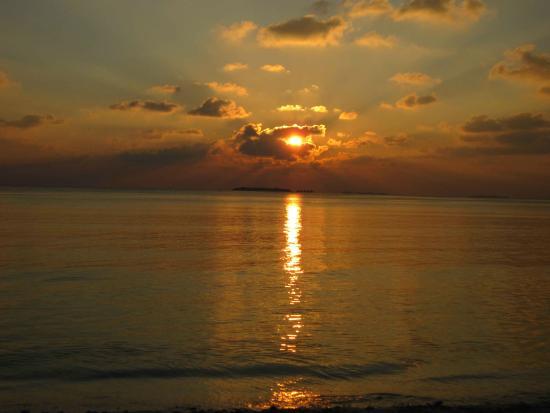Gunbaru Inn: Ukulhas sunset