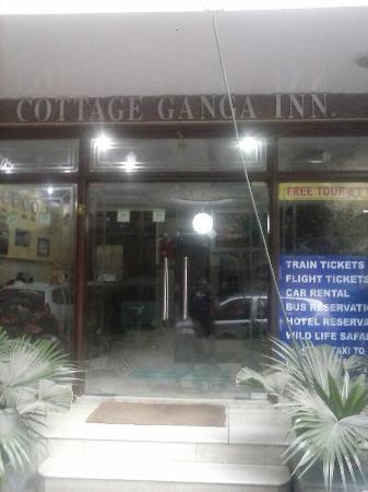 Cottage Ganga Inn: Entrance